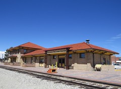 Depot in Alamosa (Patricia Henschen) Tags: colorado sanluisvalley depot railroadstation drg slrg alamosacolorado riograndescenicrailway riograndscenicrailroad
