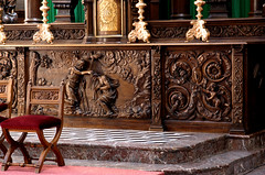 Veurne, West-Vlaanderen, St.-Walburgakerk, high altar, detail (groenling) Tags: wood saint john belgium dove jesus belgië sint carving baptism altar jordan westvlaanderen be baptist johannes frontal woodcarving flanders doper duif heilige veurne altaar furnes stwalburgakerk