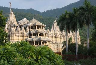 Le Temple d'Adinath, sanctuaire Jaïn .