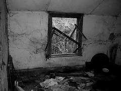 Millpool (leavesandpuddles) Tags: abandoned monochrome bedroom cornwall decay urbanexploration desolate derelict decaying dereliction cornish urbex kernow penwith millpool germoe relubbus eastpenwith