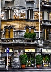 Via Solari - Milano (Marco Trovò) Tags: marcotrovò milano hdr case canon5d italy murales biciclette zonatortona graffiti lombardia palazzi italia architecture viasolari
