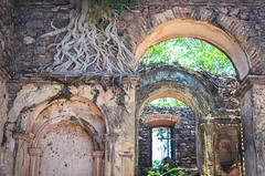 Fortaleza de Cambambe, Angola (jbdodane) Tags: africa nature bicycle cycling ruins published fort roots fortaleza fortress portuguese velo angola cyclotourisme cycletouring day469 alamy cambambe freewheelycom fortalezadekambambe alamy150731