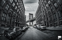 Brooklyn - Washington St. (M. Kafka) Tags: street nyc newyorkcity wallpaper vacation blackandwhite bw usa newyork cars brooklyn canon lights unitedstates outdoor manhattan unitedstatesofamerica dumbo fisheye manhattanbridge fullframe kafka 15mm 6d onceuponatimeinamerica canoneos6d silverefex yourbestoftoday ef815 potd:country=de pp57f6 michaelkafka