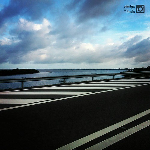 Negombo #lagoon in the morning. captured while running on #E3 Expressway ✈ #Beauty of mother #SriLanka #Nature