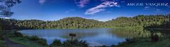 Laguna de Chicabal (Miguevásquez) Tags: laguna azul chicabal rotulo verde cielo paz sagrado maya