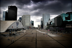 LaDefense (metamorphoses) Tags: paris glass clouds buildings mall steel arc wolken ladefense glas leegte multinationals straatfotografie dhontdirkfotografie dhontdirkphotographie winkelcentrums