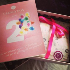 Love getting this in the post  #glossybox #treats #love  Glossy Box tests et avis sur la box (passionthe) Tags: test paris les french la commerce box femme glossy beaut gift instant sa bonne discovery plaisir hommes femmes avis cadeau coffret choisir toutes glossybox cosmetique echantillons