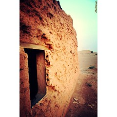 ... (Ahmad Al-Romaih) Tags: old house desert arab saudi sands