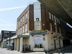 Guvnor, Silvertown, E16 (Ewan-M) Tags: england london clubs docklands ram nightclubs silvertown guvnor e16 rgl theram victoriadocks formerpub londonboroughofnewham belllane northwoolwichroad needsrglreview trumanspub trumanhanburybuxtonpub gbg1984 theramtavern ramtavern