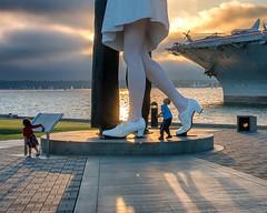 Curious (mojo2u) Tags: california statue sandiego thekiss molepark unconditionalsurrender nikond800 nikon28300mm