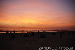 DSC04069 (ZANDVOORTfoto.nl) Tags: sunset sea sky beach netherlands clouds strand coast photo foto dunes nederland noordzee sunny zee shore northsea alive lucht duinen zon zandvoort aan niederlande ondergaande beachlive zandvoortfotonl zandvoortfoto zandvoortphoto