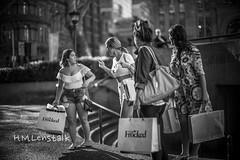 L1004403 (H.M.Lentalk) Tags: life street leica city people urban white black 50mm oz sydney australian australia m noctilux aussie 50 asph 240 f095 typ 095 digitalcameraclub noctiluxm 109550