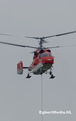 Herbouw zendmast Hoogersmilde (Egbert Media) Tags: radio tv toren swiss helicopter heli zendmast helikopter smilde heliswiss mammoet hoogersmilde tvtoren tvsmilde