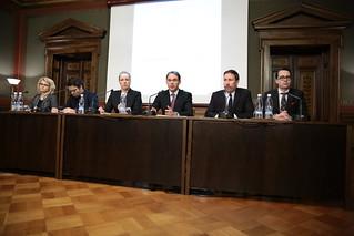 Hallituksen neuvottelu rakenneuudistuksesta