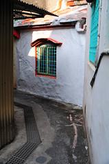 Pretty Lane (Bob Hawley) Tags: buildings asia taiwan streetscenes nikon24f28 zuoying nikond300