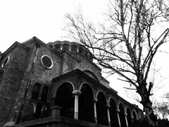 Църква на Светия Неделя (~Roberta~) Tags: sofia bulgaria vacanze vacation holydays nikon coolpixl810 biancoenero blackandwhite architecture architettura church софии църкванасветиянеделя