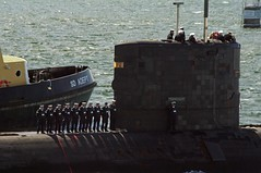 Welcome Home (AndyB59) Tags: pentax plymouth submarine sound royalnavy k7 hmstrenchant may2013
