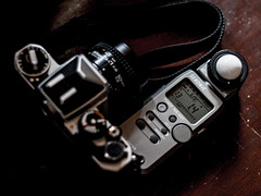 Nikon FE2 with Sekonic L-358 (tororoy76) Tags: light nikon l meter fe2 358 sekonic l358
