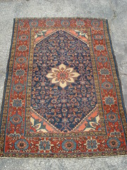 "SWEET LITTLE PERSIAN MEDALLION RUG. • <a style=""font-size:0.8em;"" href=""http://www.flickr.com/photos/51721355@N02/8882203076/"" target=""_blank"">View on Flickr</a>"