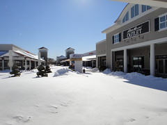 Wrentham Outlets snowed in (quiggyt4) Tags: snow storm boston mall nemo buried massachusetts february blizzard epic commonwealth twc winterstorm ronpaul ows wrentham occupy wrenthamoutlets occupywallstreet winterstormnemo