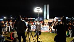 O povo tomou o Congresso Nacional 17jun13 (Leo_Djorus) Tags: brazil braslia brasil fifa sony esperana alpha mudana protesto a35 congressonacional junho esplanda 17junho acordabrasil slta35 alphaa35 protestobsb 17junho13