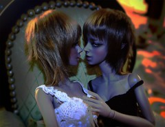 11/30/13 | 140/365 | narcissism at work (___rei) Tags: portrait orange white black green sisters kiss doll dolls profile ears elf together bjd 365 brunette uncanny edit twogirls weirdcolors soojung soomi grayskin frezje withdoll withdollangela withdollcynthia