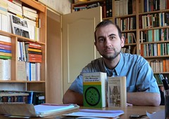 Autoportrait avec Claude Mauriac. (Guillaume Cingal) Tags: books bibliothèque livres marquise mauriac