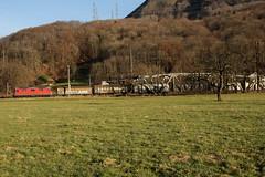 SBB Lokomotive Re 4/4 II 11179 mit Gterzug bei Ziegelbrcke im Kanton St. Gallen in der Schweiz (chrchr_75) Tags: train de tren schweiz switzerland suisse suiza swiss eisenbahn railway zug sbb sua locomotive re christoph dezember svizzera bahn treno schweizer chemin 44 centralstation sveits fer locomotora tog ffs juna bundesbahn lokomotive lok sviss ferrovia zwitserland sveitsi spoorweg suissa locomotiva lokomotiv ferroviaria cff  re44 locomotief chrigu  szwajcaria rautatie 1312   2013 bahnen schweizerische zoug trainen  chrchr hurni chrchr75 bundesbahnen chriguhurni albumsbbre44iiiii chriguhurnibluemailch dezember2013 albumbahnenderschweiz2013712 hurni131223