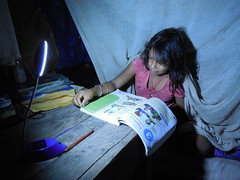"""Girl using Firefly to do homework - Alto Pucalpillo • <a style=""""font-size:0.8em;"""" href=""""http://www.flickr.com/photos/69507798@N03/13545090034/"""" target=""""_blank"""">View on Flickr</a>"""