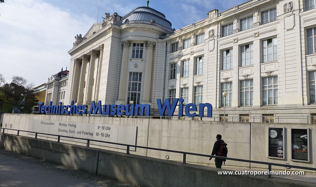 Entrada al museo de la tecnologia de Viena