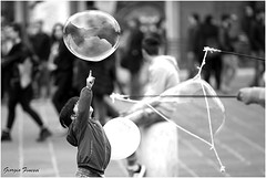 La bolla (GiophotoArt) Tags: streetphotography children bolle bolognacentro