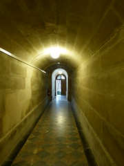 Out (Leonce Markus) Tags: dreux chapelle chapel roi king couloir porte door corridor lumière light carrelage floortile