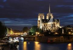 temps de pose sur Notre Dame (ju.labs) Tags: paris canon le longexpo notredame monument france 70d