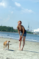 walking the dog (1) (Victorious klin) Tags: legs cleavage