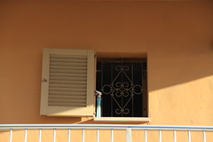 Playa de Palma (18) (boaski) Tags: window architecture design spain mediterranean fenster espana architektur mallorca espagne spanien fenetre majorca baleares balearen vindu mediterranea fnster lessismore fenestra vindauge