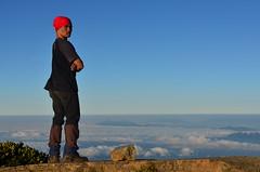 Pak Asep (qefy) Tags: hiking hijab gunung awan sahabat kuningan langit pemandangan agustus mendaki bendera persahabatan liburan semangat merahputih jawabarat renungan ciremai kebersamaan pegunungan muncak gunungciremai puncakgunungciremai pendakiangunungciremai