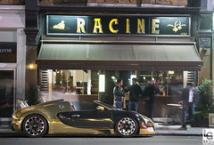Gold&Green (Luke Alexander Gilbertson) Tags: green london gold nikon chrome 164 bugatti veyron d4 gransport 70200f28 grandsport 1001bhp