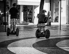 Paseo en dos ruedas (Koke Hernán) Tags: summer blackandwhite bw portugal blackwhite day august lagos algarve fatherandson nikond3200 2013 fatherandkid blackwhitephotos 2wheelsvehicle