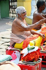 Mysore (Gedsman) Tags: india temple market traditional culture palace tradition karnataka hindu mysore cultural chamundi wodeyar