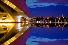 Destination Earth (Nespyxel) Tags: city light valencia reflections spain nightshot calatrava metropolis spaceship valenza riflessi nocturne luce spagna ciudaddelasartesylasciencias geometrie simmetrie symmetries nespyxel stefanoscarselli