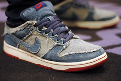 Denim Forbes (Nicholas Fung) Tags: feet shoes jean skateboarding sneakers nike forbes skate heat skateboard rug denim sb dunk swoosh nikesb wdywt womft