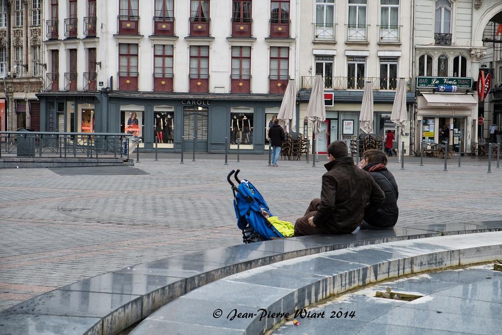 cc29b998b27 Au bord de la fontaine (jp wiart) Tags  place grand lille fontaine repos