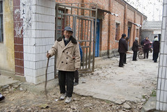 Gian Zhou uitgang (Frans Schellekens) Tags: china church countryside cross religion churches service mis kerk gebouw anhui kruis platteland believers religie kerken kerkdienst gelovigen