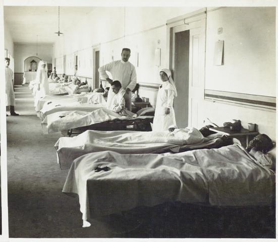 Ospedale n. 10 Cividale. 1° reparto, 1916,  Reparto Cinematografico del Regio Esercito Italiano, Roma, Museo Centrale del Risorgimento