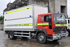 Louth County Fire & Rescue Service 1993 Volvo FS7 18 Multilift HL19.43 Prime Mover Boxvan 93LH3988 (Ex West Midlands L962 DJW) (Shane Casey CK25) Tags: county blue light red 2 rescue west ex station truck fire prime lights hotel 1 volvo pod conversion lima 15 1993 lorry foam fireman service fireengine firestation 18 flashing emergency firefighter ff tender appliance mover louth brigade firebrigade midlands unit sirens dundalk djw boxvan multilift fs7 l962 hl1943 93lh3988