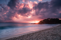 Sunset in Makena (slowitdown) Tags: hawaii maui makena cloud