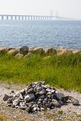 Pile of rocks (Hkan Dahlstrm) Tags: bridge sea se skne sweden f10 cropped sverige malm resund resundsbron limhamn 2013 skneln canoneos100d sek efs1855mmf3556isstm 3520062013152442