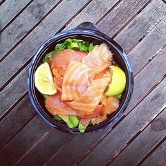 52η μέρα, μεσημεριανό: σαλάτα με μαρούλι, σολωμό & αβοκάντο. #natachef #diet  #dietry #dietporn #instadiet #instafood #food #foodie #healthy #lunch