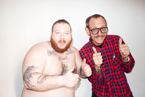 Video Action Bronson performs live at a old folks home