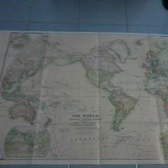 แผนที่โลก ซึ่งแถม มาจาก หนังสือ เนชั่นแนลจีโอกราฟฟิค เป็นแผนที่ฉบับปี ค.ศ.1922  /worldmap